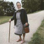 Frau mit Milchkanne, St. Johann a.W., 1996, C-Print, 51 x 42, cm (framed), Ed. 8